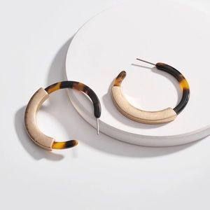 Jewelry - 2 pr/$20  Acrylic Tortoise Hoop Shell Earrings